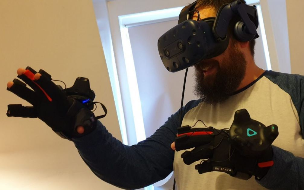 Hands-On With Manus Prime Haptic Gloves